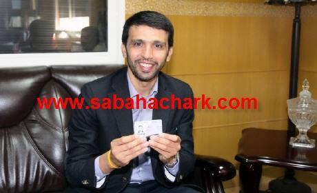 """هشام الگروج """"ندِم"""" على صورته مع حميد شباط"""