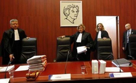 عرض قضية تخفيض التعويضات العائلية بنسبة 40% أمام محكمة أمستردام