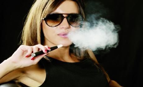 وزارة الصحة: احذروا من السيجارة الاليكترونية
