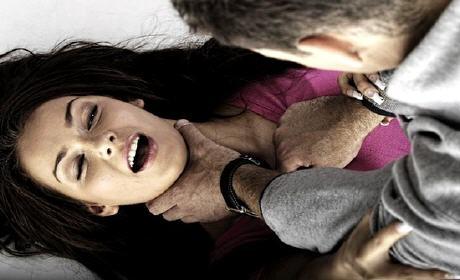 إقليم الناظور يهتز على وقع فضيحة اغتصاب أب لطفلته ذات الـ14 عاماً لأشهر عدة