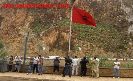 المغرب يشرع في تسييج الحدود البرية مع الجزائر بأسْلاك شائكة بين شاطئ مرسى بن مهيدي بتلمسان و شاطئ السعيدية