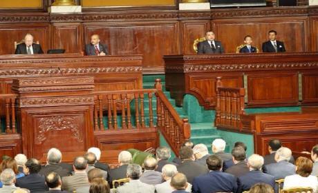 الملك يحمل الجزائر مسؤولية إجهاض الحلم المغاربي من تونس