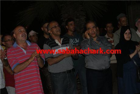 """أعضاء المجلس البلدي في وقفة احتجاجية للمطالبة برحيل عامل إقليم بركان """" العامل إرحل """""""