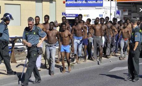 مليلية : أكثر من 11 ألف مهاجر إفريقي حاولوا التسلل إلى مليلية هذه السنة