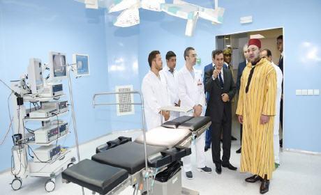 """جلالة الملك يدشن المركز الاستشفائي الجامعي """"محمد السادس"""" بوجدة """""""