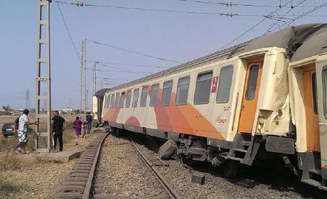 وفاة تقني و19 جريحا في حادث اصطدام قطارين قرب المحمدية