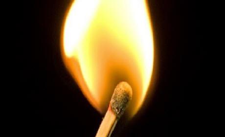 شاب ببركان يشعل النار في جسده