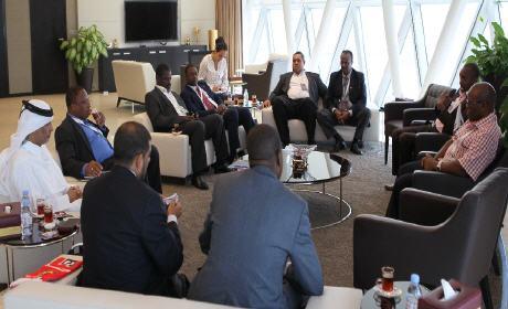 """رؤساء الإتحادات الكروية الإفريقية يرفضون الحضور """"للموندياليتو"""" بالمغرب"""