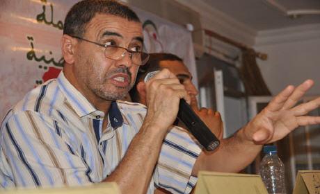 """عبد العزيز أفتاتي: الدولة العميقة قدمت هدية لشباط مقابل تحالفه مع """"البام"""""""