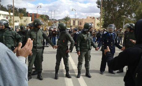 المئات يخرجون في تظاهرة احتجاجية بجرادة على ارتفاع أسعار الماء والكهرباء