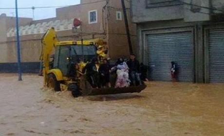 تفاصيل عمليات إنقاذ ضحايا الفيضانات