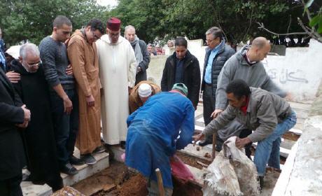 جنازة شقيقة عبد الإله ابن كيران ويتذكر صديقه عبد الله بها …  بالصور