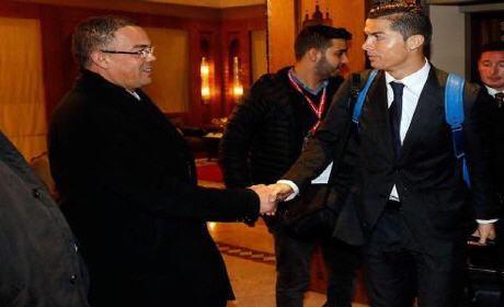 فوزي لقجع يستقبل نجوم الريال مدريد بمطار الرباط سلا
