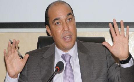 عرائض توقيعات تطالب بنكيران بإقالة الوزير أوزين بعد فضيحة ملعب الأمير مولاي عبد الله ؟