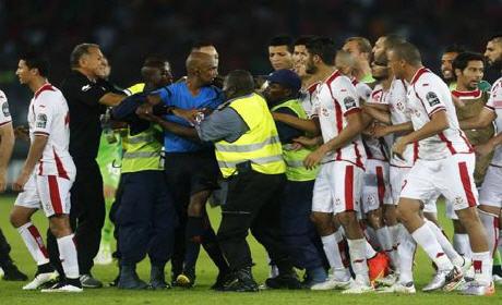 مفاجأة غريبة.. الكاف يُوقف الحكم الموريسي 6أشهر ويُعاقب تونس