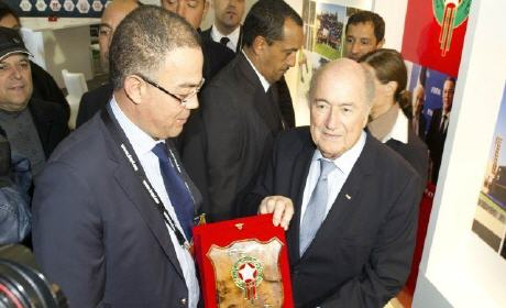 فوزي لقجع.. المغرب يتقدم رسمياً لاحتضان مونديال 2026 لدى جوزيف بلاتر