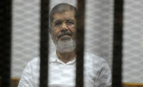 الحكم بالسجن 20 عاما على الرئيس المصري المعزول محمد مرسي