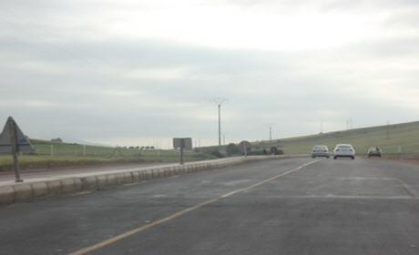 الأشغال على الطريق الوطنية رقم 2 تبلغ النصف بشطر أحفير و الصفصاف بإقليم بركان
