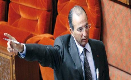 """""""بلاغ"""" الداخلية تنفي منعها رؤساء الجماعات من توقيع الصفقات تحسبا للانتخابات"""