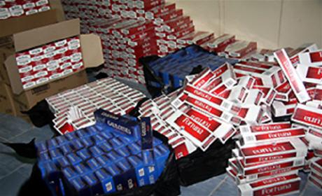 أمن الدارالبيضاء يحجز أزيد من 1600 علبة سجائر مهربة من الجزائر