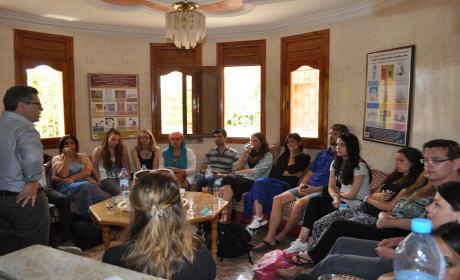 فوج من المدرسة العليا بأمستردام يستعين بتجربة الجمعية المغربية لمساعدة المهاجرين ببركان