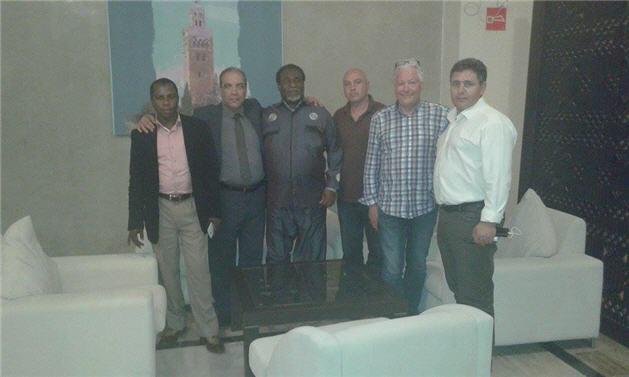 Groepsfoto met de ambassaduer van Ghana