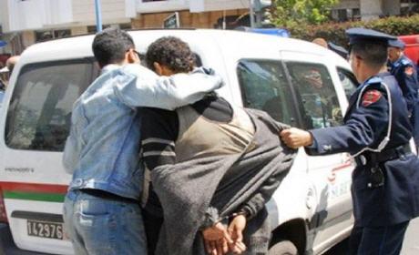 """""""بلاغ"""" اعتقال انفصالي مبحوث عنه بالعيون دَخَل المغرب بجواز سفر جزائري"""