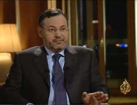 بالفيديو: الشرطة الألمانية تعتقل صحافي الجزيرة أحمد منصور وتُسلمه لمِصر