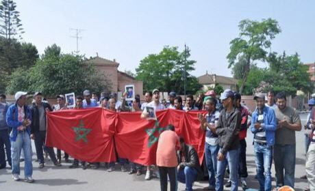 الباعة الجائلين بمدينة بركان يخوضون اعتصاما مفتوح أمام مقرعمالة بركان ويطالبون بالحوار