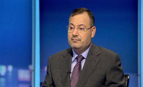 أحمد منصور يطلب ترحيله الى لندن بحُكم جنسيته البريطانية