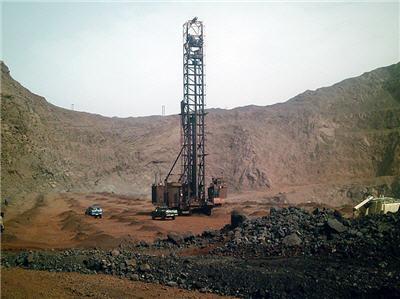 التنقيب عن البترول و الغاز في جبال بني زناسن