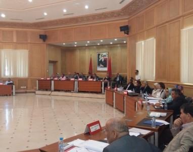 مجلس الجهة الشرقية يناقش منع الصحافة من تصويرأو تسجيل جلساته في اولى دوراته