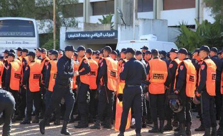 خلية أمنية من الدار البيضاء ترافق أنصار الوداد البيضاوي إلى بركان