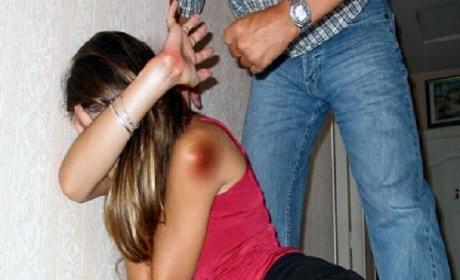 النساء المُتزوجات الأكثر تعرضاً للعنف النفسي والجسدي