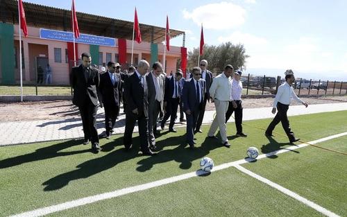 الجامعة الملكية المغربية لكرة القدم تُسلم دفعة جديدة من الملاعب المُعشوشبة اصطناعيا لهذه المُدن