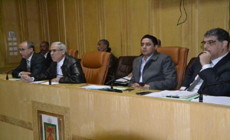 دورة استثنائية لمجلس جماعة وجدة تطالب بسيادة المجلس ورفض وصاية السلطة
