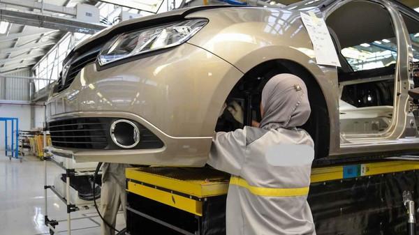 مندوبية التخطيط: انخفاض أسعار صناعة السيارات وارتفاع أسعار المحروقات بالمغرب