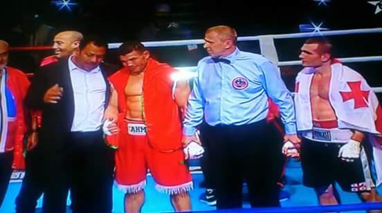 البطل البركاني احمد بن جدو يهزم الملاكم الجورجي ويتوج بطلا