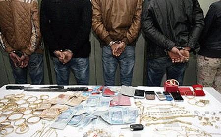 تفكيك عصابة متخصصة في سرقة المجوهرات من المنازل بمدينة السعيدية
