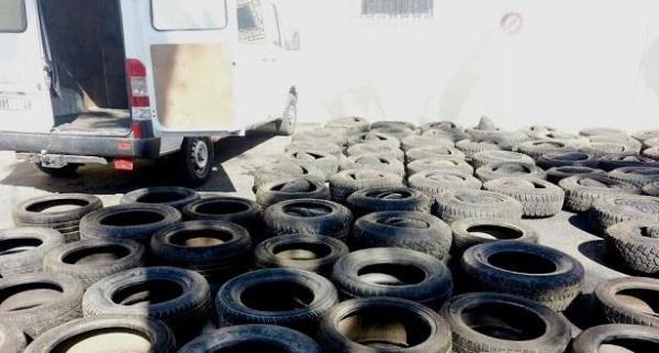 بلاغ: رجال الجمارك الناظور يحجزون 2730 عجلة مستعملة بحاسي بركان