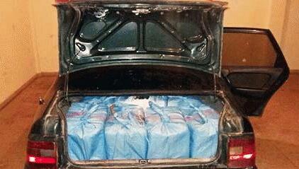 جمارك الناظور تحجز سيارة محملة كمية مهمة من المخدرات على الطريق الساحلية