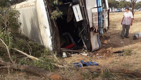 إنقلاب حافلة على مشارف مدينة وجدة و إصابة 39 فيما تم الاحتفاظ بخمسة مصابين حالتهم خطيرة