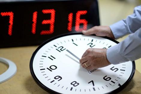 """هذا هو تاريخ العودة إلى الساعة القانونية """"القديمة"""" بالمغرب"""