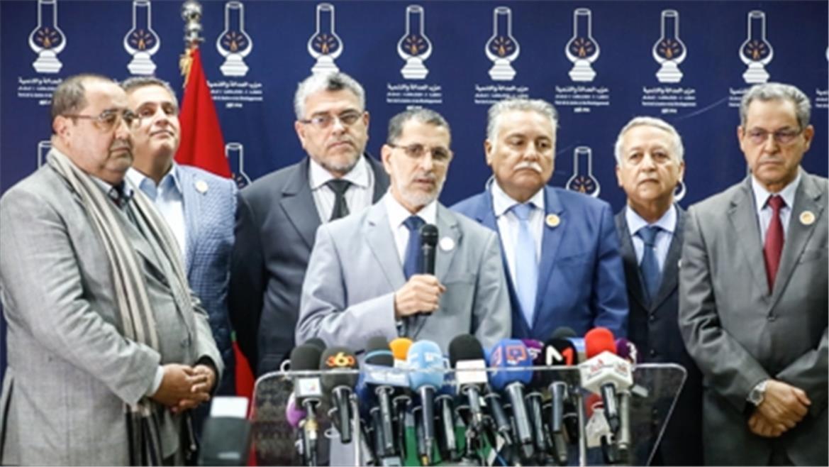 رئيس الحكومة يكشف لائحة الوزراء الذين سيعوضون مؤقتا زملاءهم المقالين