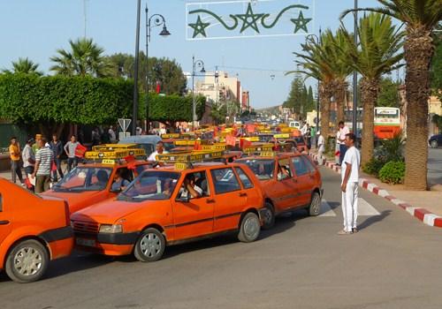 أول مدينة بالمغرب يركب و يصنع بها عداد المرايا مع الفاتورة المفصلة للطاكسي الصغير بمدينة بركان