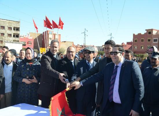 عامل الإقليم يعطي إنطلاقة أشغال بناء الطريق الرابطة بين برج واولوت وحي الودادية بمدينة بركان