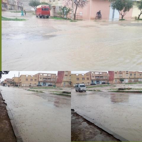 الأمطار تعري واقع البنية التحتية للمدينة العيون الشرقية