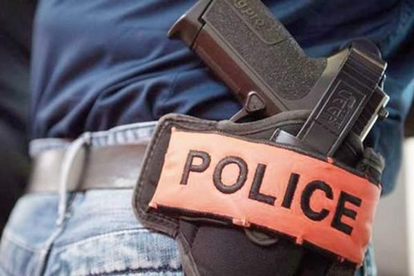 بركان… شرطي يضطر لاستخدام سلاحه الوظيفي لتوقيف شخص عرض حياة المواطنين للخطر