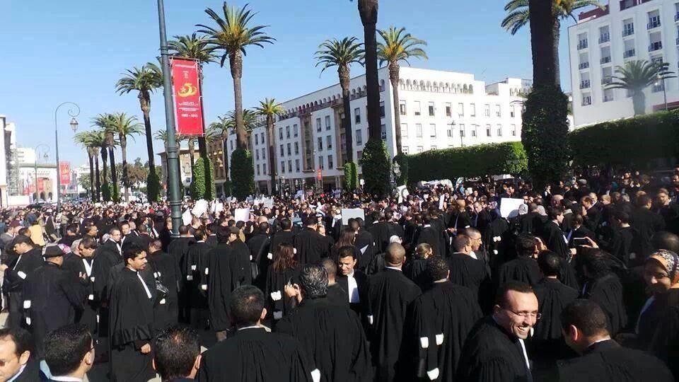 المادة التاسعة من مشروع قانون المالية لسنة 2020 تخرج المحامون للإحتجاج