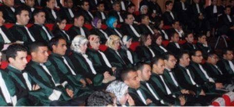 عزل قاضية وحرمان سبعة آخرين من العمل والأجر لمدة 6 أشهر
